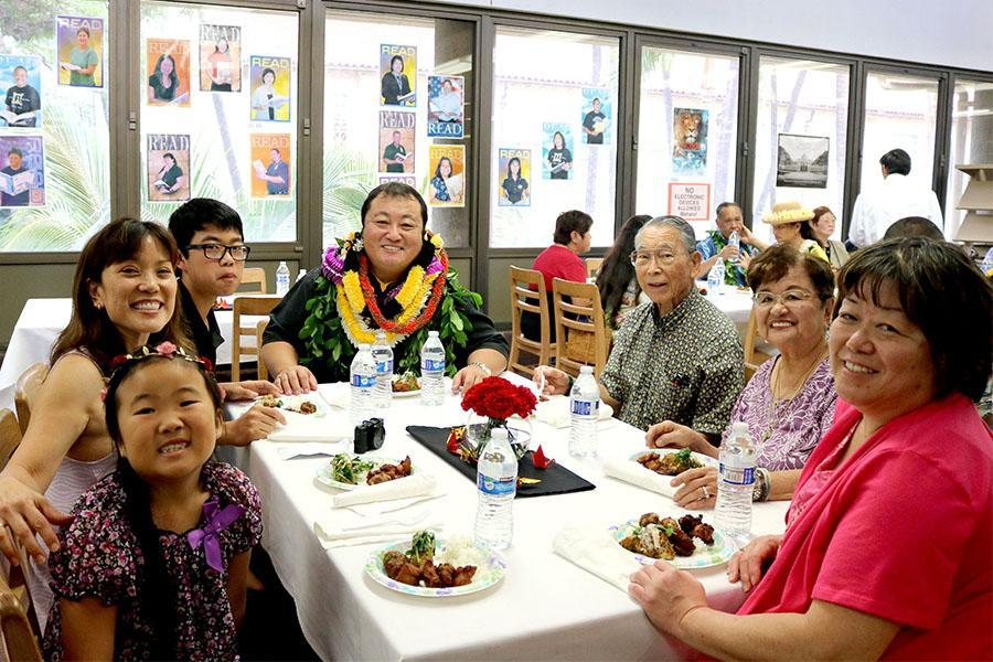 Dr.+Wynn+Okuda+with+his+family+at+the+Hall+of+Honor+luncheon.