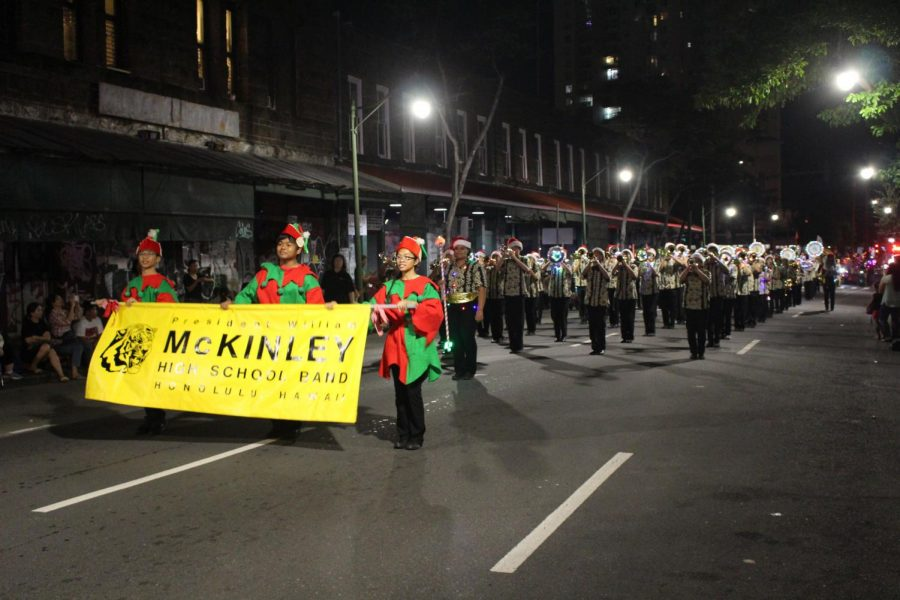 McKinley+High+School%27s+marching+band+has+performed+their+final+parade+to+celebrate+the+holiday+season%21