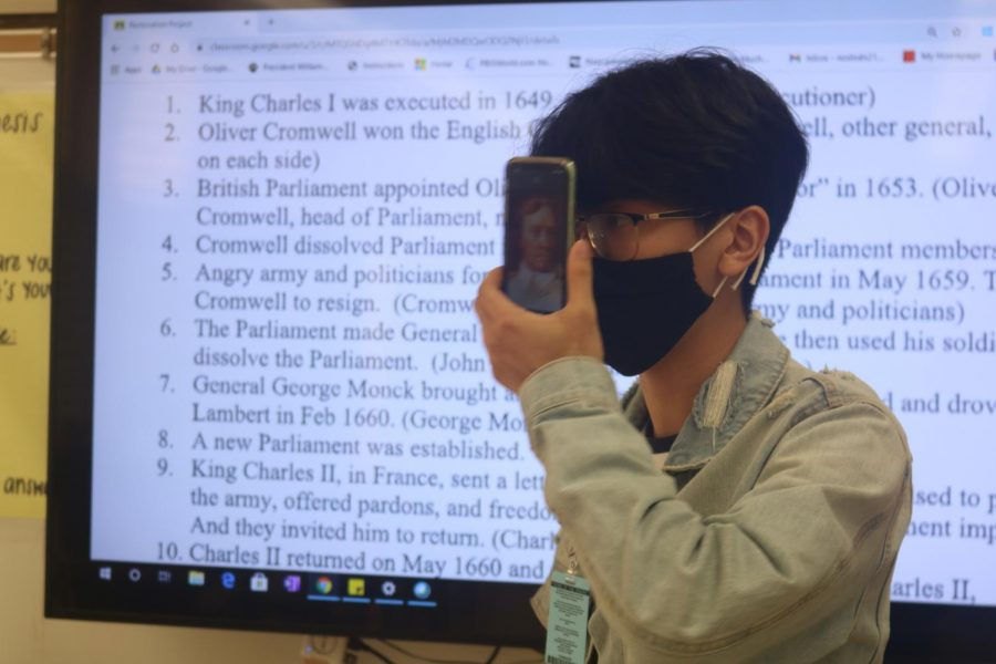 Freshman Skye Miyauchi participates in a hybrid lesson in Corey Nakashima's class.