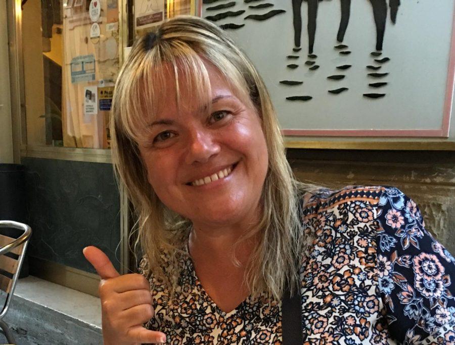 English teacher Miyuki Rogers stays positive during virtual learning.